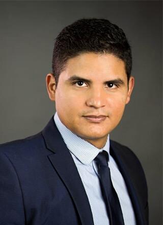 Carlos López Sandino - Abogado de familia en Washington D.C.